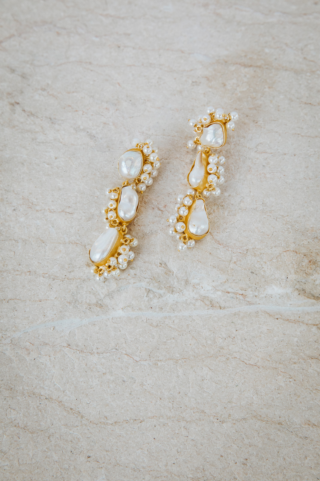 IVANNA GOLD PEARL EARRINGS