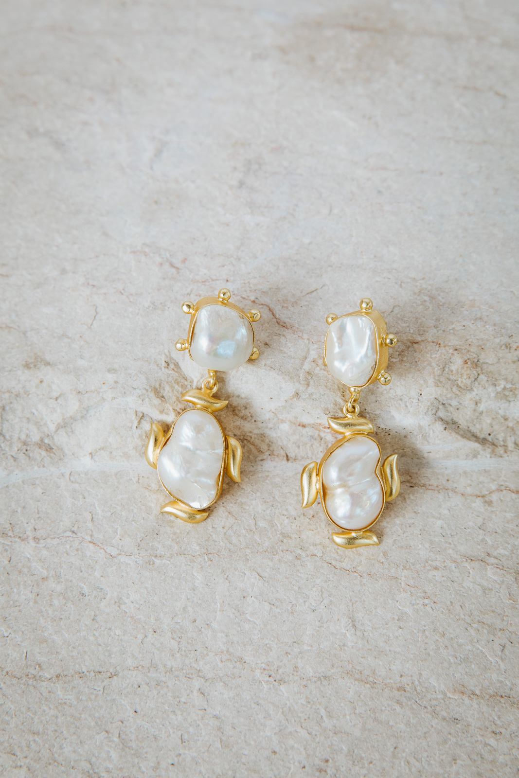 KARLY PEARL EARRINGS