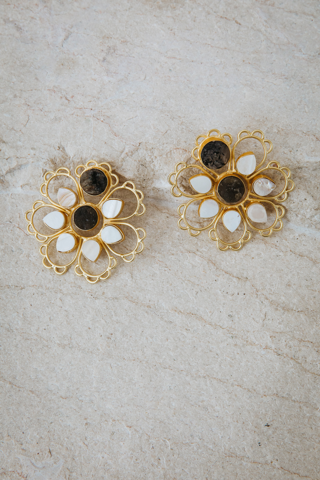 LEXIE FLOWER EARRINGS